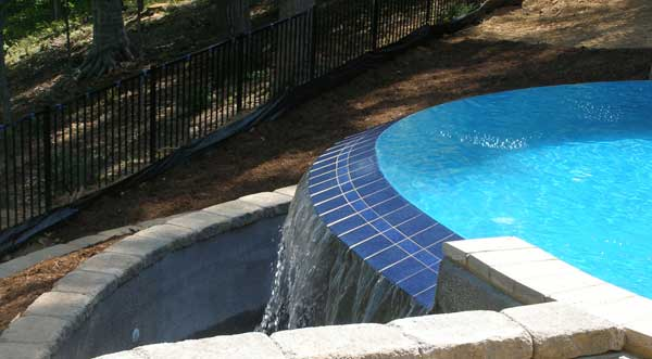 Pool Landscape Design with Vanishing Edge